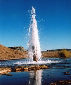 'Crystal Geyser' in Utah (VS) is de bekendste koudwater geiser