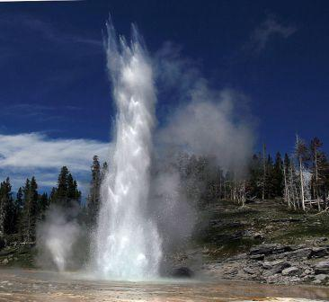 'Grand Geyser' (Yellowstone National Park) is een voorbeeld van een fonteingeiser