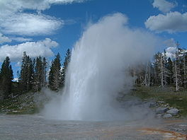 Uitbarsting van de Yellowstone Grand Geyser